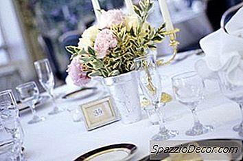 Den Genomsnittliga Kostnaden För Tabellinställningar Vid Ett Bröllop