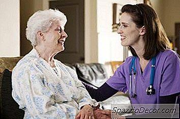 Come Posso Mettere Mia Madre Sulla Mia Assicurazione Sanitaria?