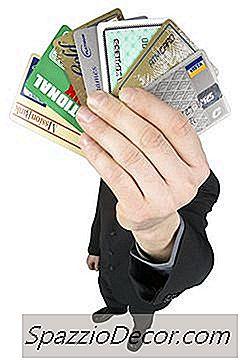 Cât De Mult Poate Plăti O Carte De Credit Ridica Scorul Dvs. De Credit?