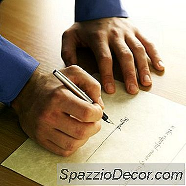 Heeft Het Hebben Van Uw Naam Op Een Hypotheekakte Invloed Op Uw Kredietwaardigheid?