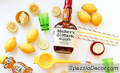 Crazy-Easy Whiskey Sours