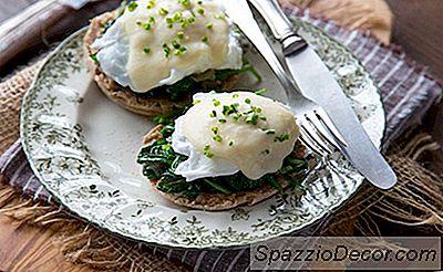 Ovos Florentinos Com Molho De Mornay Clássico