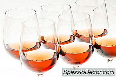 Rose Wine Vs. Zinfandel Bianco (* Suggerimento: Ce N'È Solo Uno Da Bere)