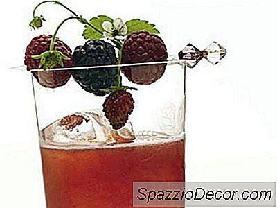 Ricetta Summer Berry Fizz Cocktail