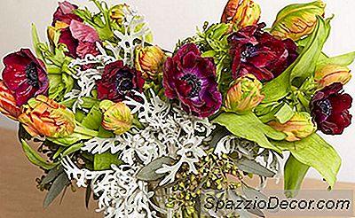 Um Arranjo De Flores Diy Acessível Para A Mãe