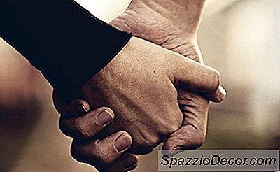 ¿Quieres Un Matrimonio Más Fuerte? Sostener Las Manos Con Más Frecuencia