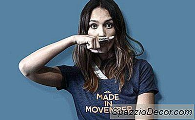 Wie Houdt Er Niet Van Een Movember Snor? Sluit Je Aan Bij Jessica Alba Om No-Shave November Te Ondersteunen