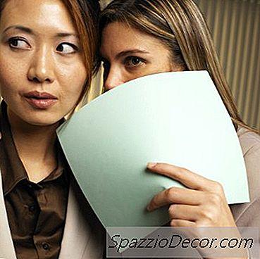 Como Um Empregador Deve Lidar Com A Difamação No Local De Trabalho?