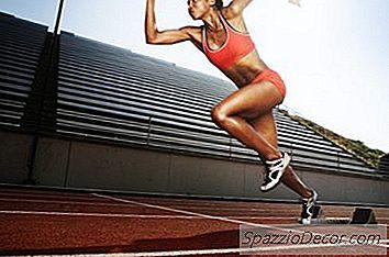 În Timp Ce O Persoană Se Execută, Hormoni Cum Ar Fi Adrenalina Și Noradrenalina Folosesc Oxigenul Pentru A Stimula Mușchiul.