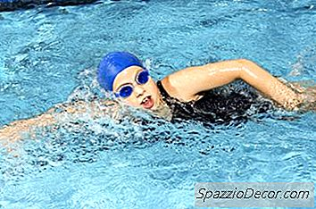En Svømmers Benøvelser