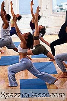 De Bedste Yoga Øvelser Til Knæ Og Hofte