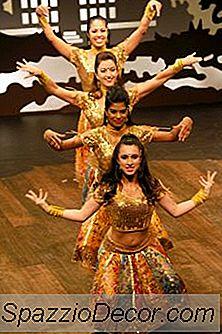 Esercizi Di Danza Di Bollywood