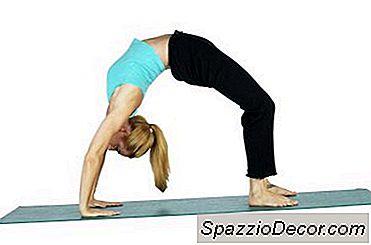 Hete Yoga En Pijnlijke Schouders