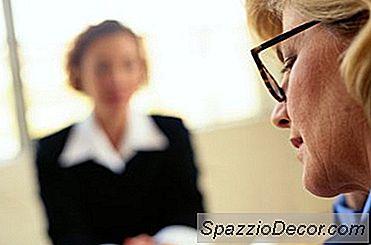 Hvordan Unngå Å Fortelle En Arbeidsgiver I Et Intervju Ble Du Avsluttet Ved Din Siste Jobb