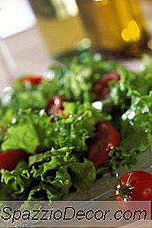 Næringsstoffer Av Salat Og Tomater