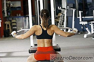 Exercício De Ombro, Bíceps E Superset
