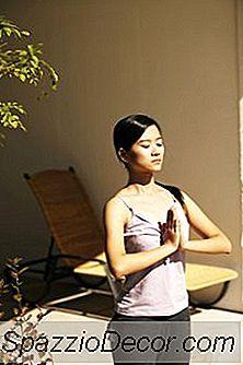 Wat Zijn De Voordelen Van Surya Namaskar In Yoga?