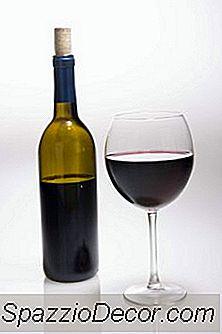 Quali Sono I Benefici Per La Salute Di Bere Un Piccolo Vino Pinot Noir Tutti I Giorni?