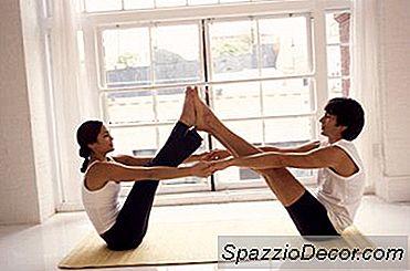 Yoga E Alongamento Para Casais
